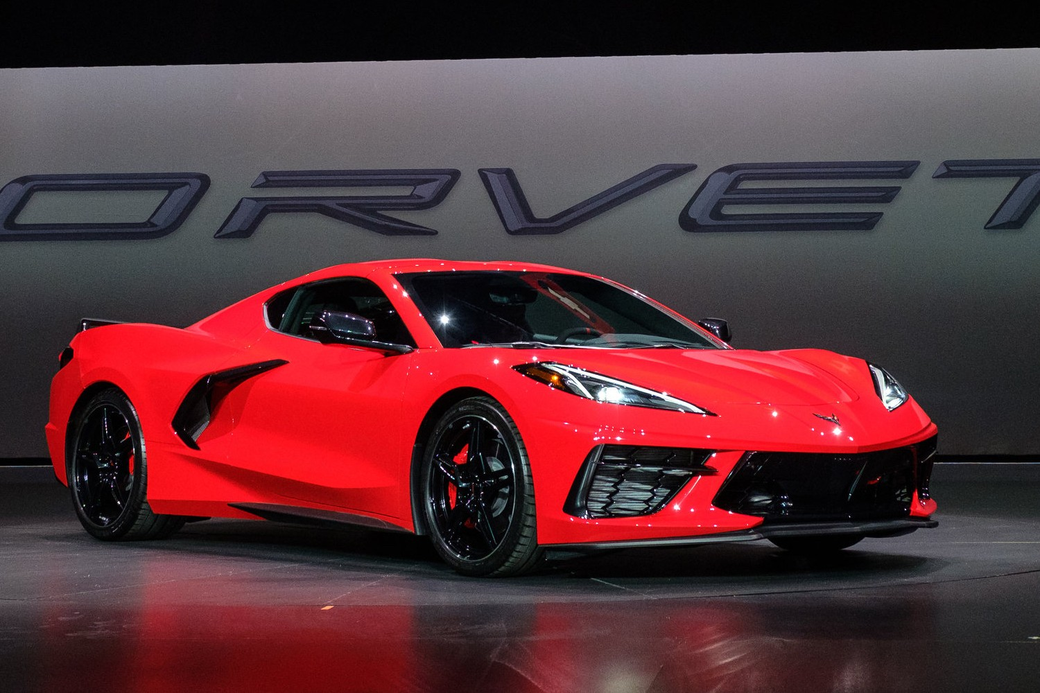 Mid Engine Corvette Outsells Porsche 911 ... and Every Other Sports Car in the Segment