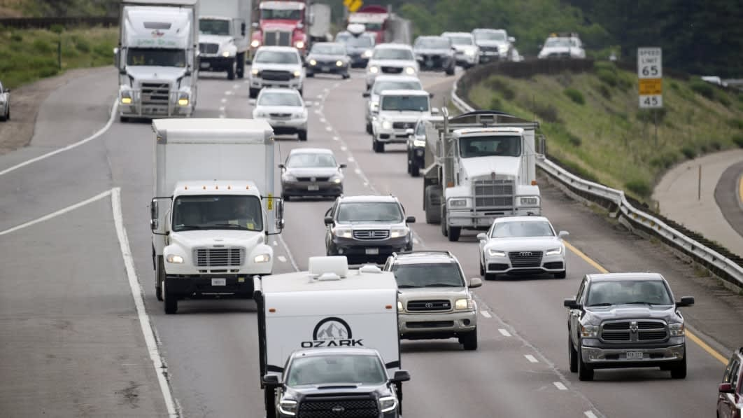 Highways that Charge The Electric Cars That Drive on Them? It's Coming!