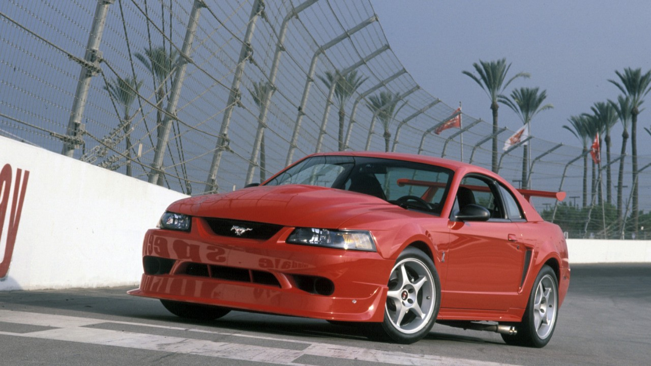 Top Mustangs - 2000 SVT Cobra R